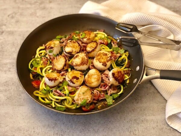 Scallops with lemon-basil zucchini noodles by PlateJoy